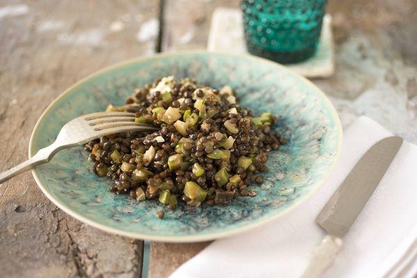 Salada de lentilhas com abobrinha e berinjela
