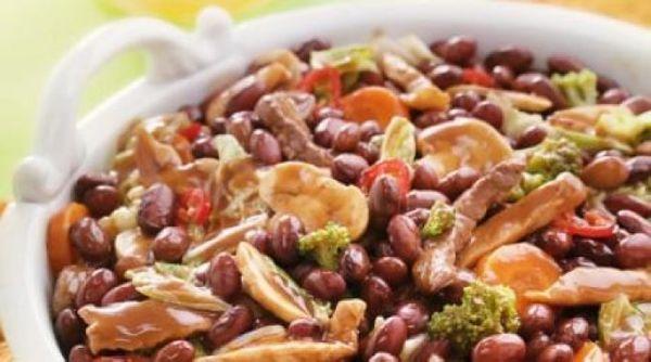 Feijão Vermelho com Pimenta e Legumes