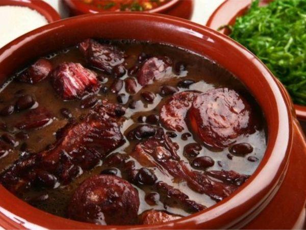 Feijoada Completa Tradicional Deliciosa