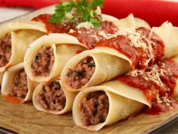 Panqueca de Carne Moída Prática com Molho de Tomate