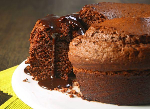 Bolo de Chocolate com Cremogema