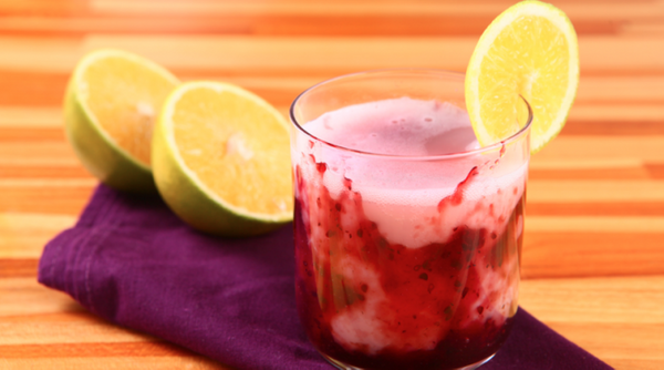 Bebida Gelada de Uva e Laranja