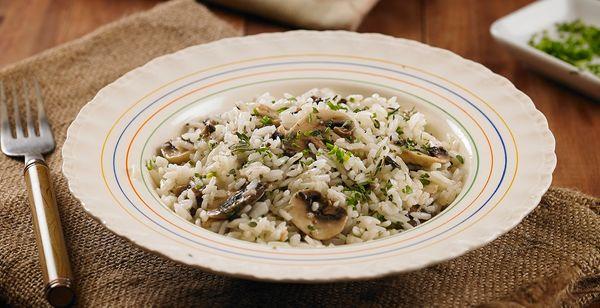 Arroz com cogumelos e ervas