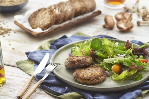 Hambúrguer com Salada