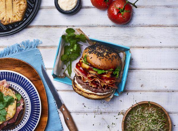 Hambúrguer com Abacaxi Grelhado